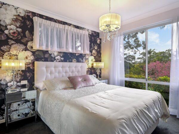 Doreen Mai Queen Room